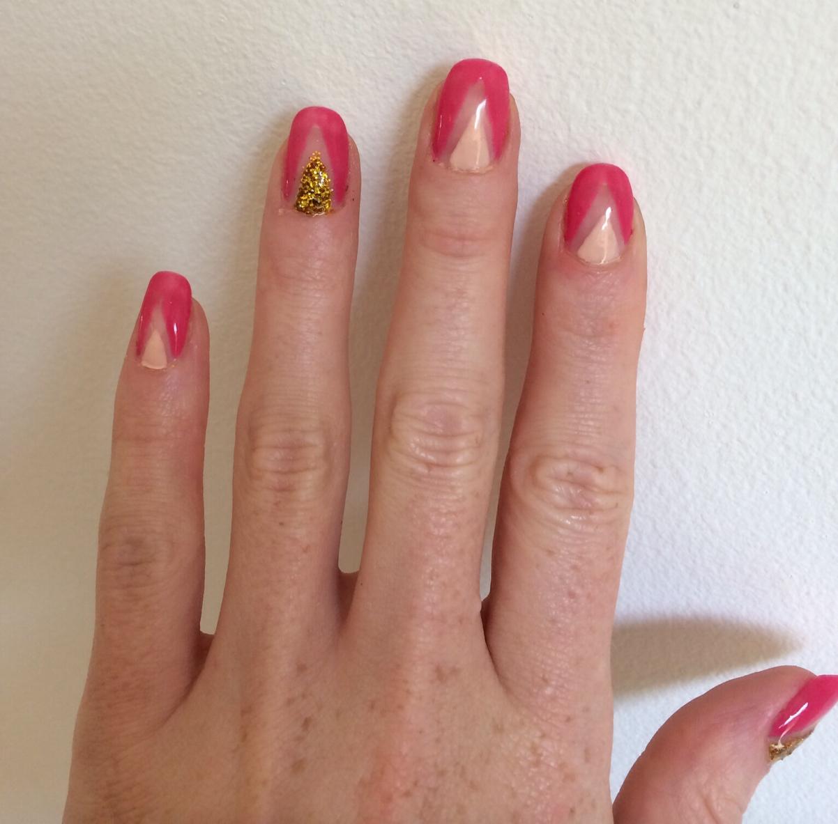Geometric-pink-glitter-nail-art