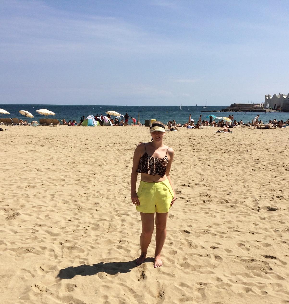 Barcelona-beach-yellow-shorts-leopard-crop