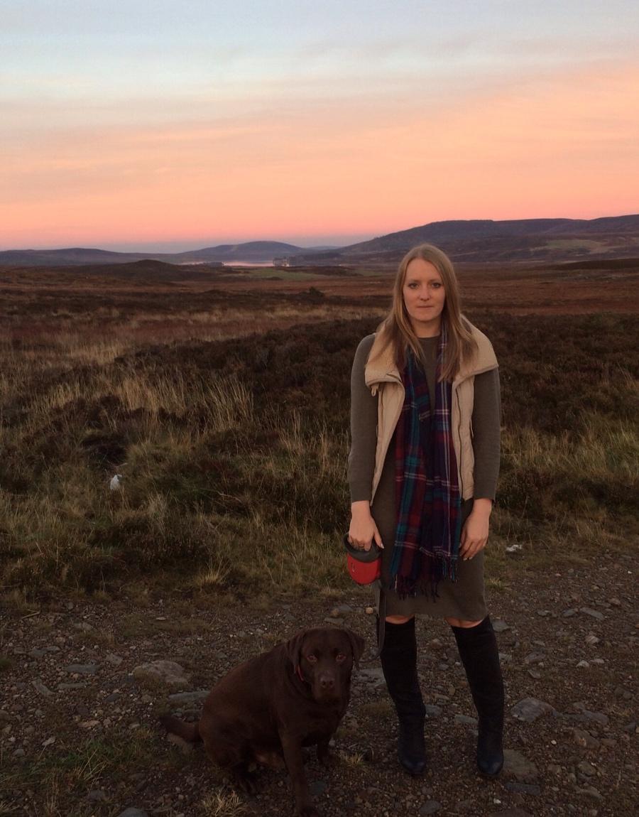 Autumn-outfit-tartan-overknee-boots-pink-sky