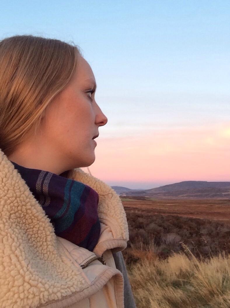 Gilet-tartan-scarf-pink-sky-scotland