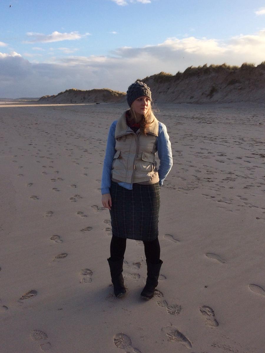 Scotland-beach-tartan-outfit-denim-shirt