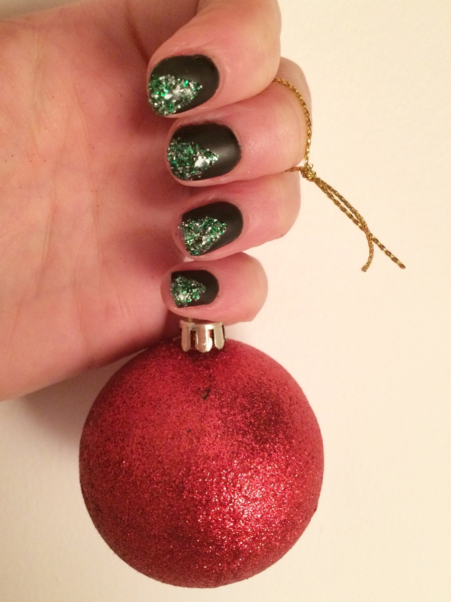 Christmas-tree-nails-Matt-top-coat