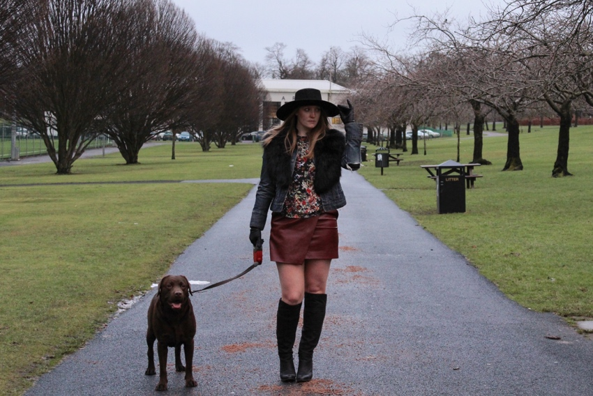 Burgundy-skirt-OTB-boots-faux-fur