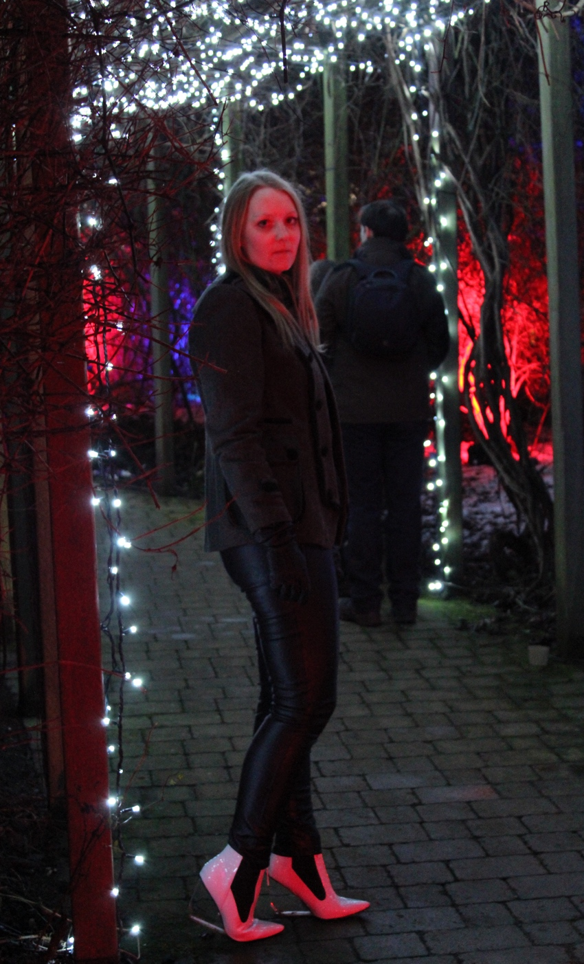 Electric-gardens-Glasgow-monochrome-outfit