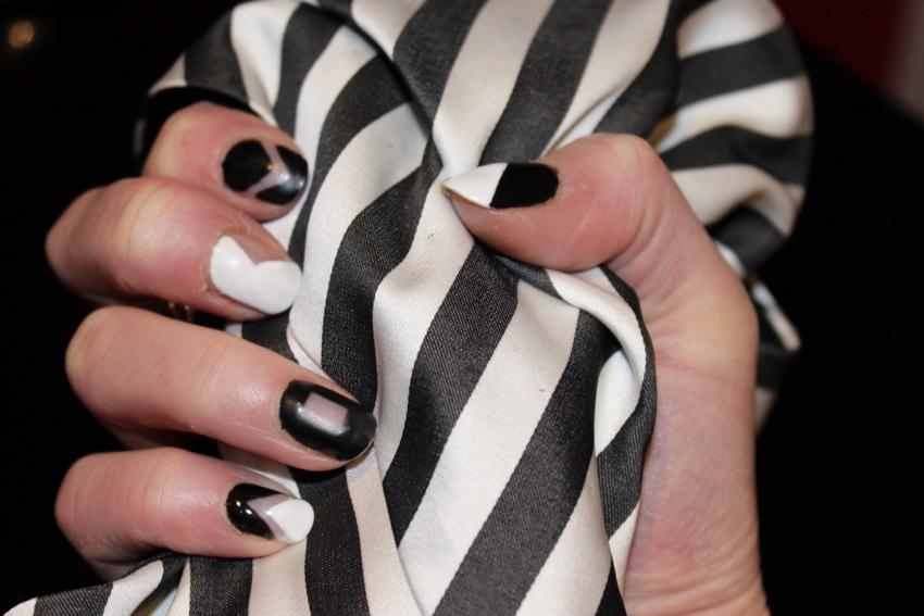 Geometric-monochrome-nail-art