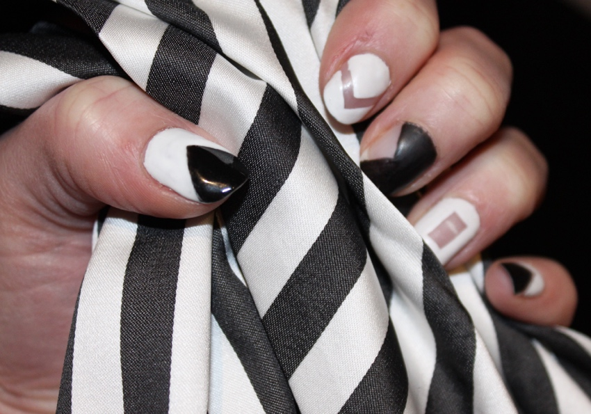 Geometric-monochrome-nail-art