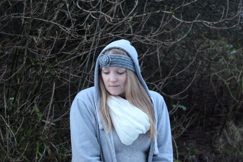 Grey-wool-headband-hoodie-snow-Glasgow