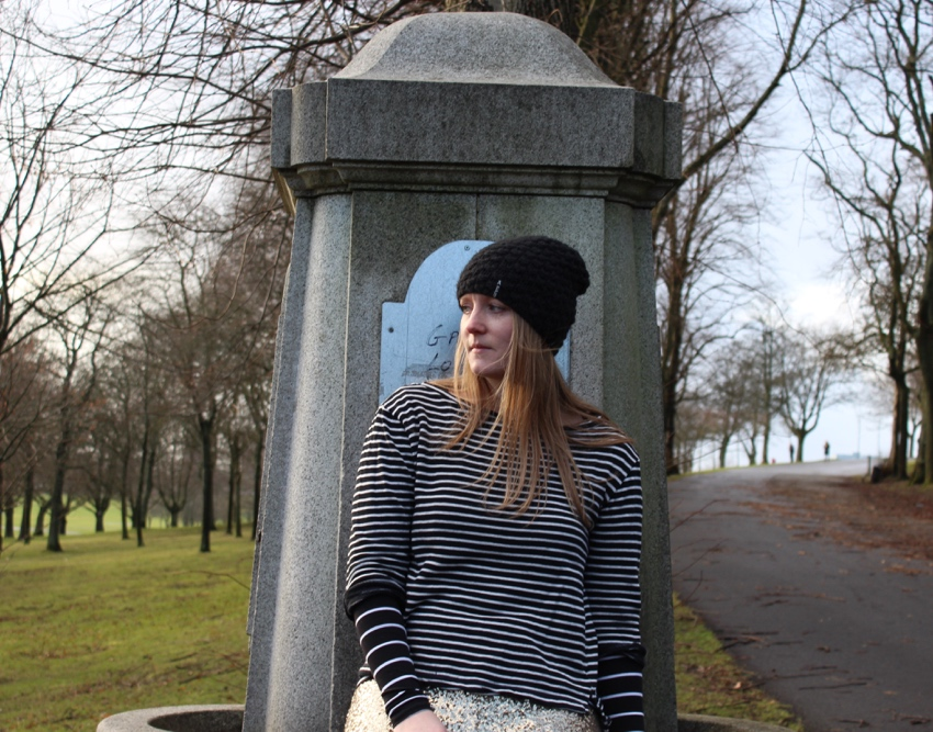 Monochrome-stripes-beanie-winter-ootd