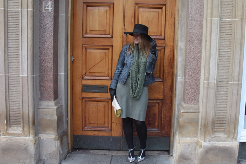 Wide-brimmed-hat-wool-dress-winter-outfit