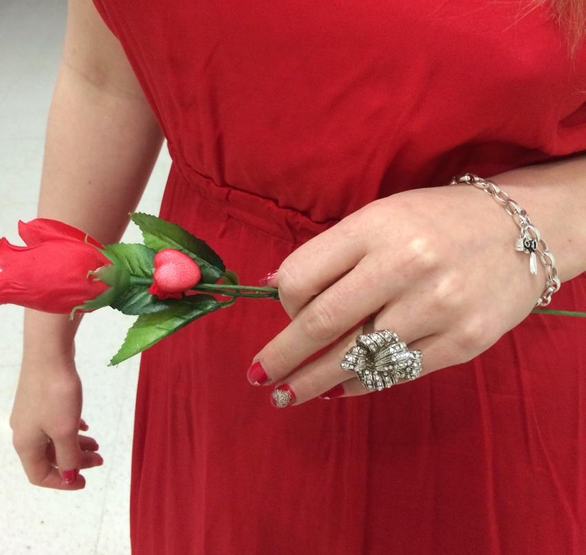 Glitzy-secrets-bow-ring-Thomas-sabo-charm-valentines