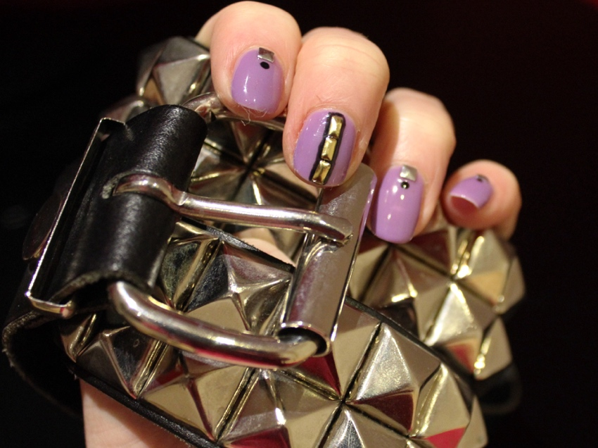 Lilac-studded-nail-art-diy