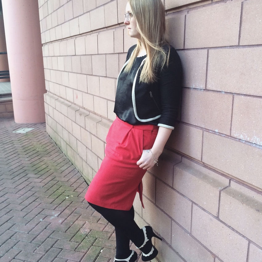 Red-pencil-skirt-monochrome-cropped-chanel-blazer