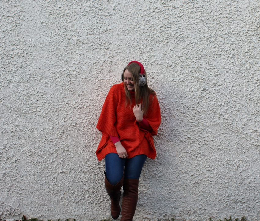 Seventies-style-poncho-pink-accessories