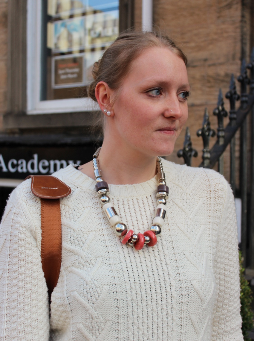 Cream-knit-statement-necklace-Glasgow