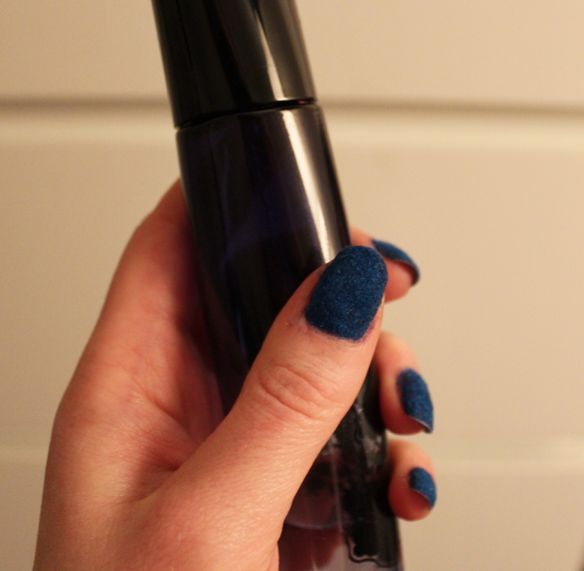 Denim-nail-effect-navy-blue-tutorial