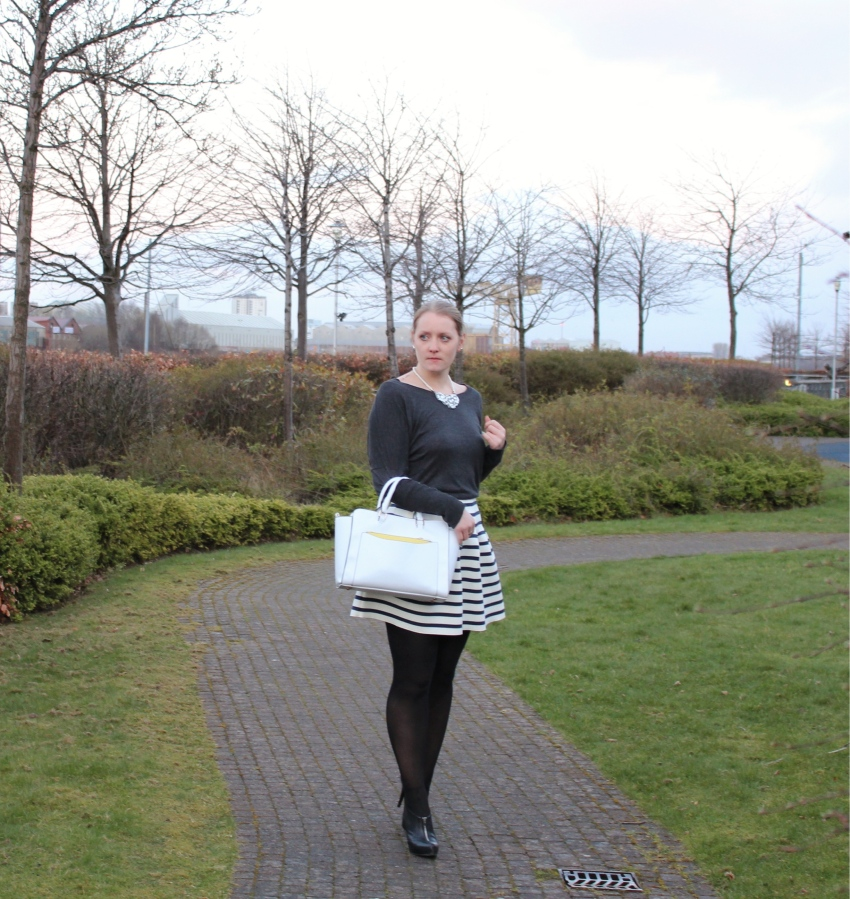 Full-skirt-striped-White-Primark-handbag-street-style