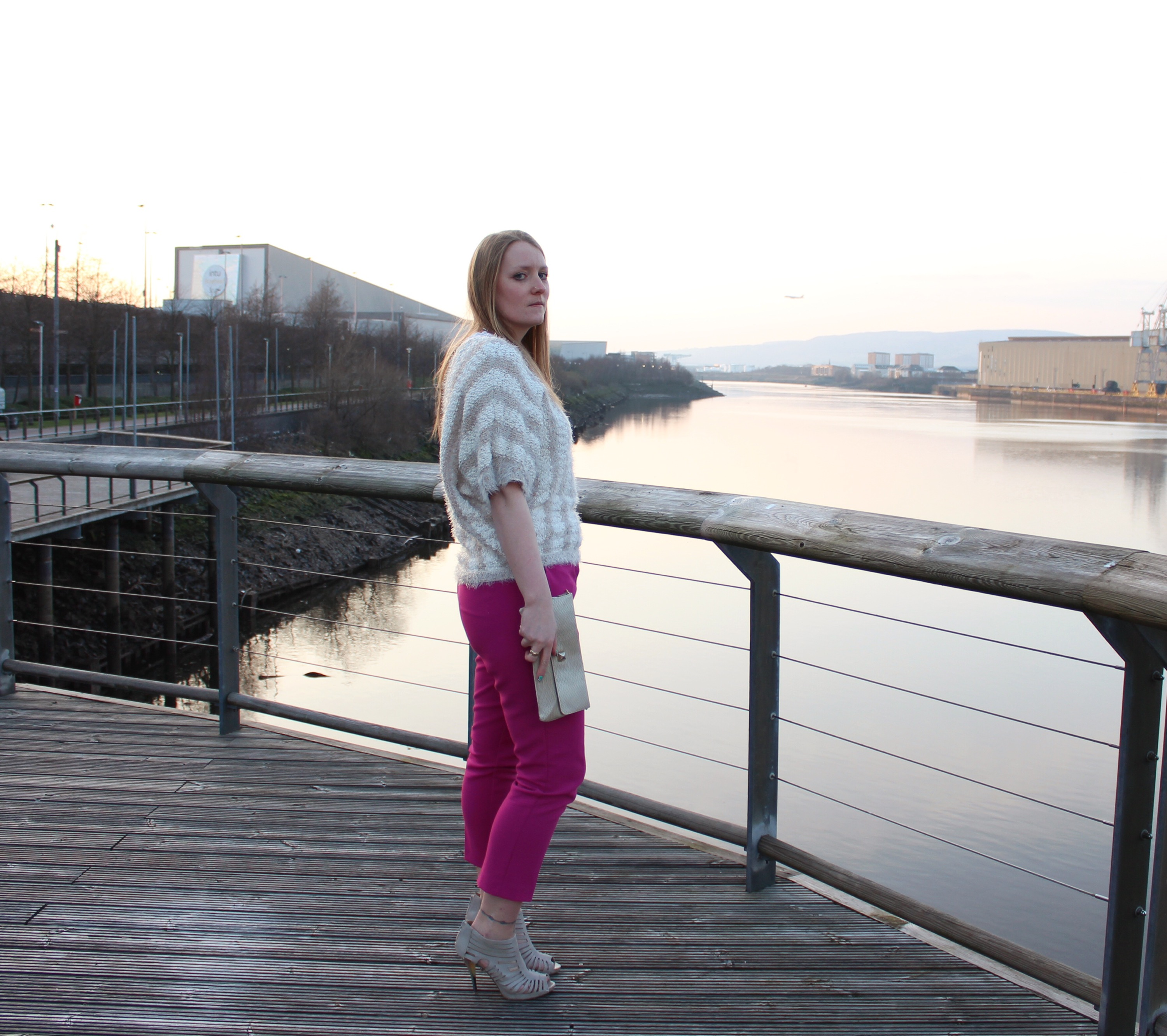 glasgow-livinginaboxx-fashion-streetstyle-pink-trousers