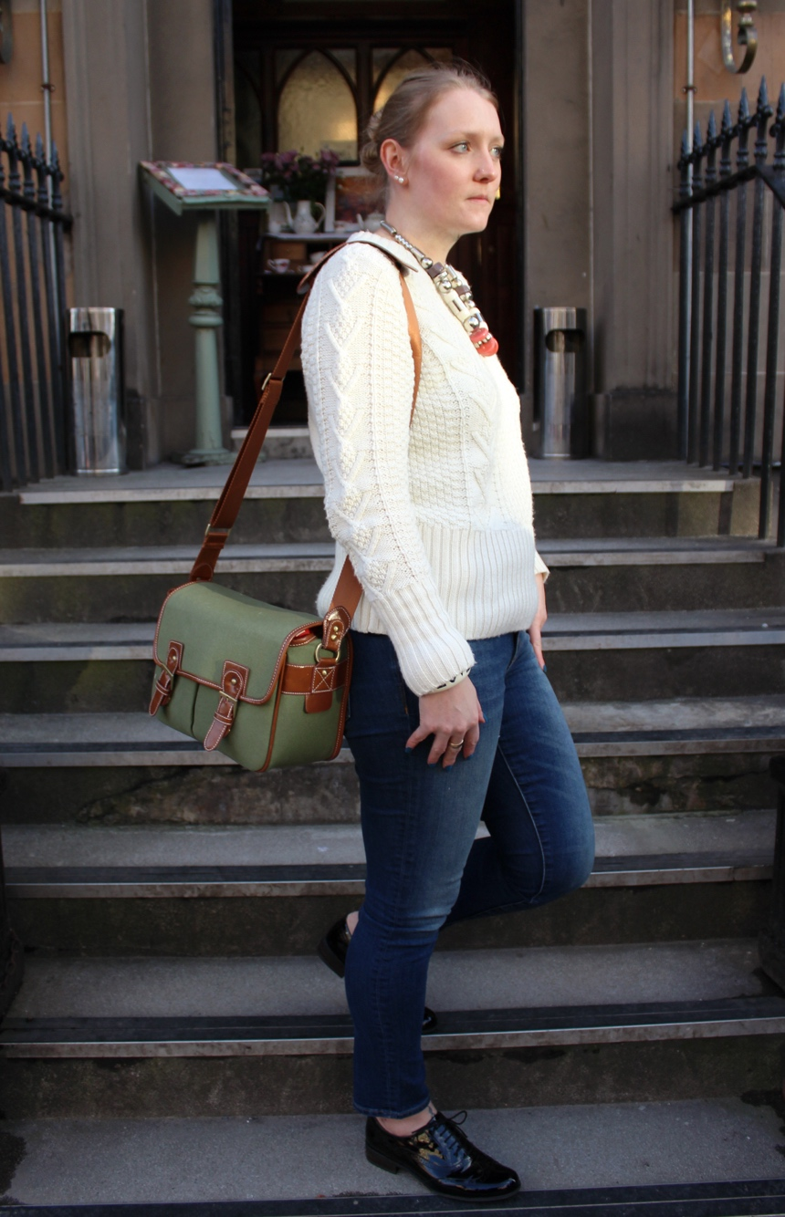 Cream-knit-skinny-jeans-brogues
