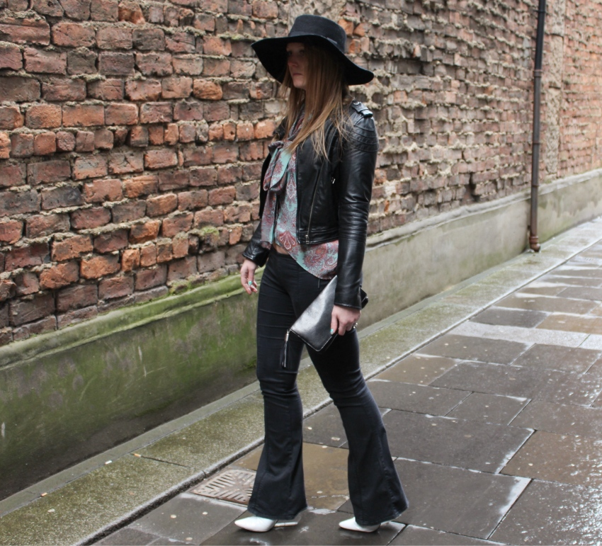 Seventies-street-style-flares-paisley-wide-brimmed-hat