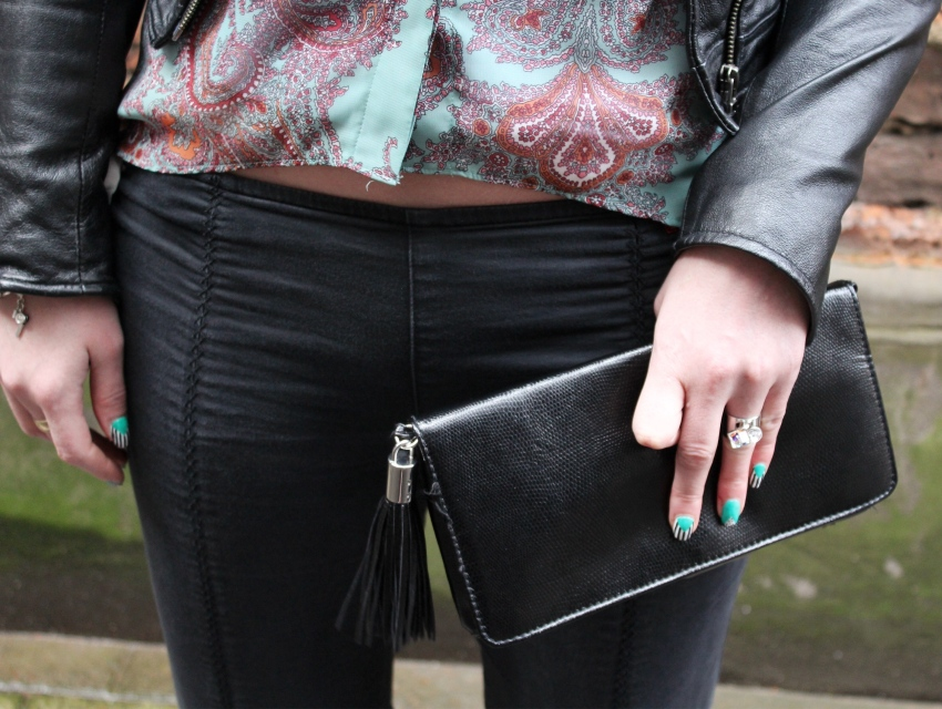 Seventies-street-style-fringed-clutch-paisley-print-Glasgow