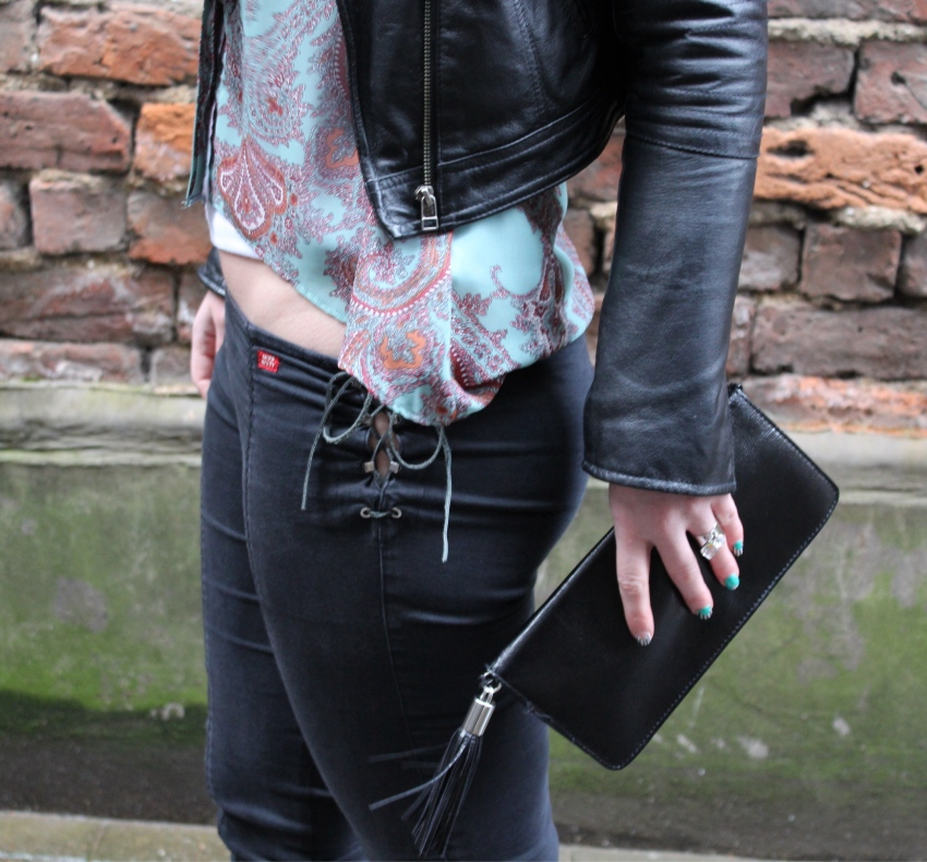 Seventies-street-style-paisley-fringed-clutch-Glasgow