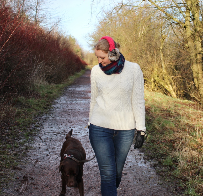 Cable-knit-skinny-jeans-ear-muffs-dog-walk-outfit-Glasgow