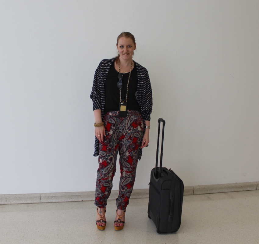 comfy-travel-outfit-tips