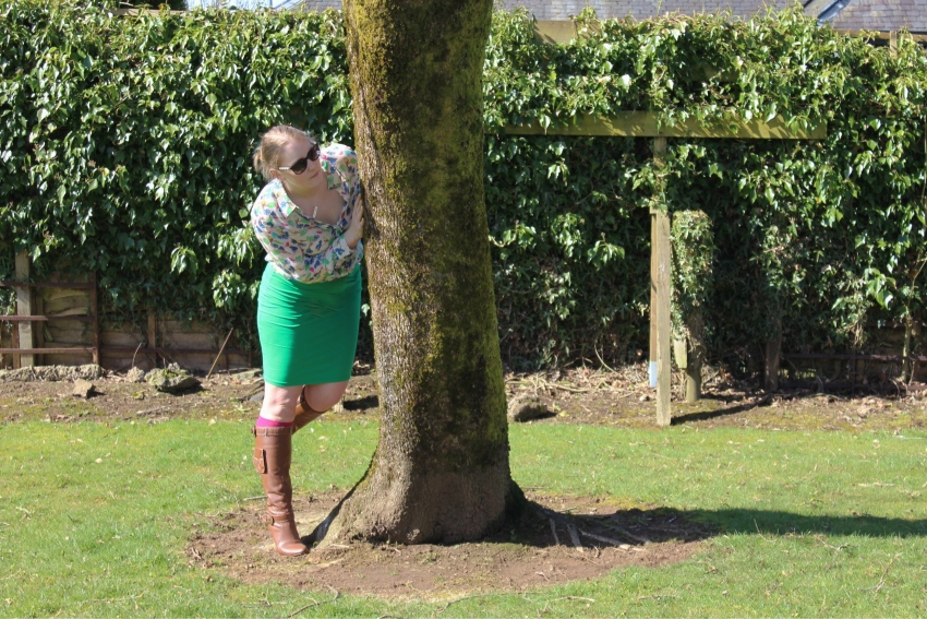 Green-pencil-skirt-patterned-shirt-knee-highs-street-style