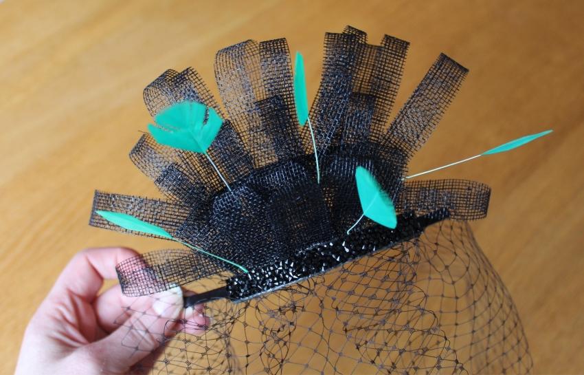 DIY-Fascinator-birdcage-feathers-tutorial