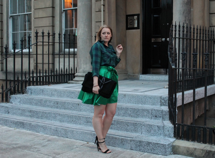 Green-DIY-outfit-full-skirt-tartan-shirt