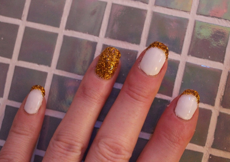 Eurotrash-glitter-holiday-nail-tutorial