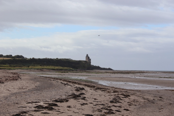 Heads-of-Ayr-Scottish-beach-crumbling-castle