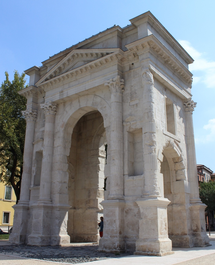 Verona-city-guide-Arco-de-Gavi