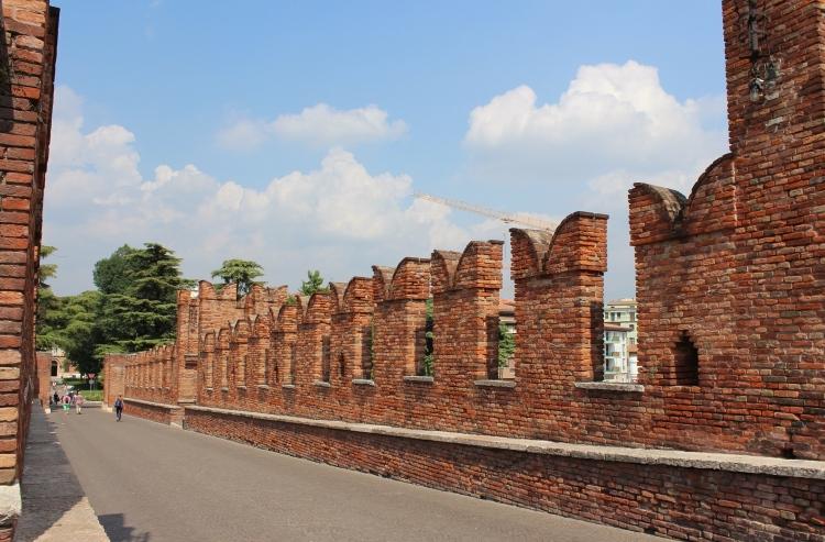 Verona-city-guide-Ponte-Scaligero