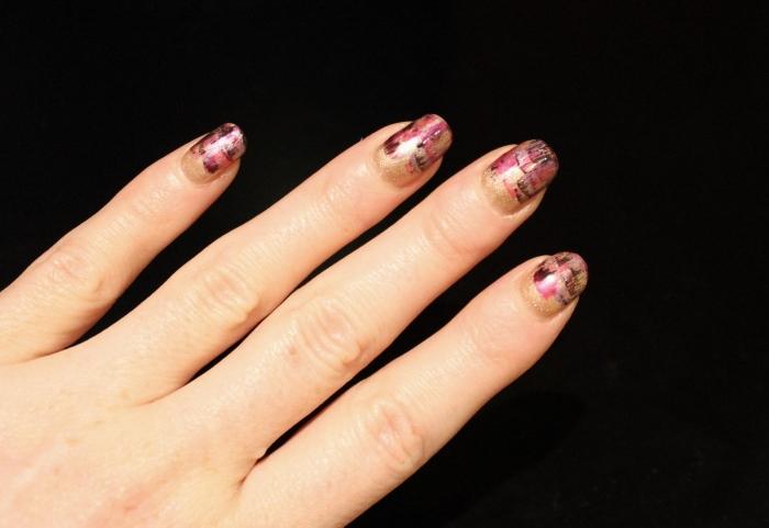 Gold-dry-brush-nail-art-tutorial