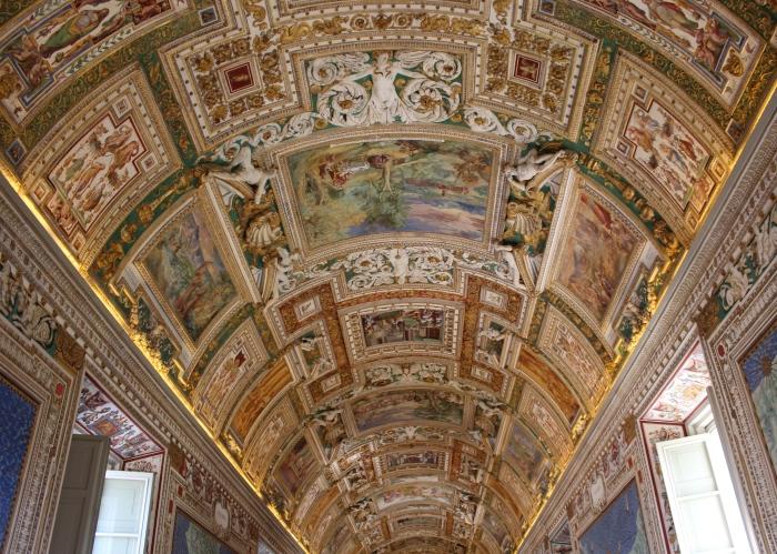 Vatican-museum-Rome-ceiling-detail