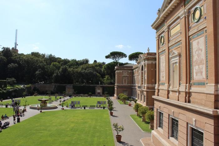 Vatican-museum-gardens-Rome