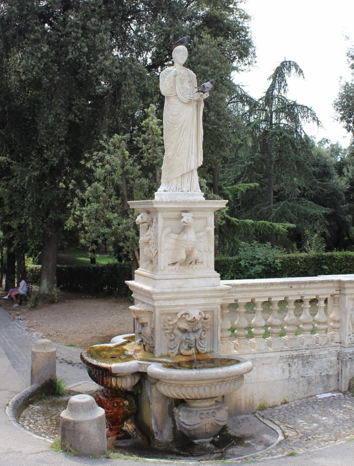 Villa-Borghese-Rome-fountain