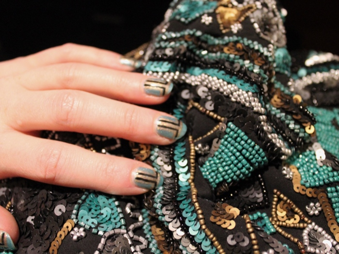 Green-gold-art-deco-nail-art
