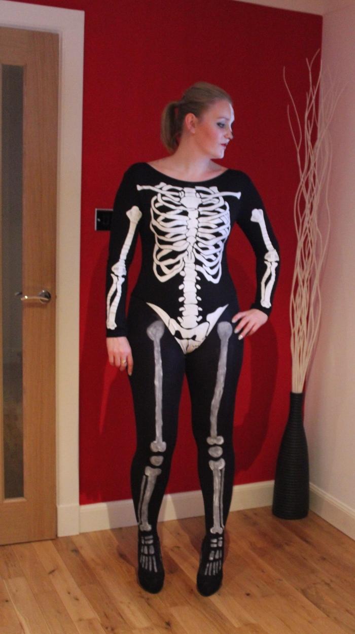 Halloween-skeleton-costume-DIY