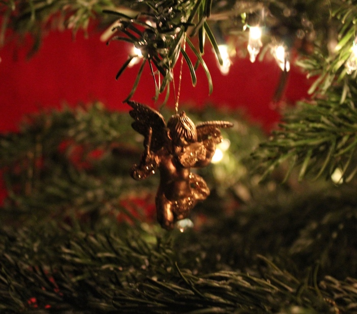Cherub-tree-decoration