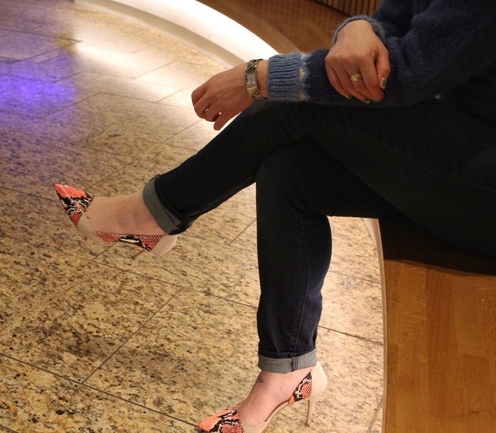 handmade-fair-isle-sweater-outfit-snake-print-heels