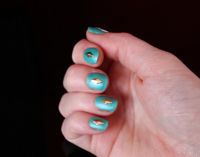 Matt-green-gold-studded-nail-art