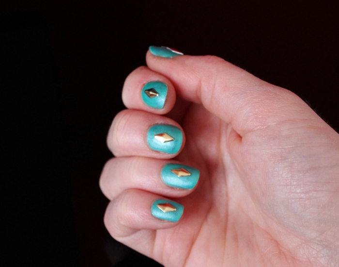 Matt-green-gold-studded-nail-art
