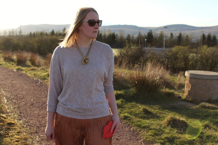 Spring-outfit-Gold-palazzo-pants-jumper