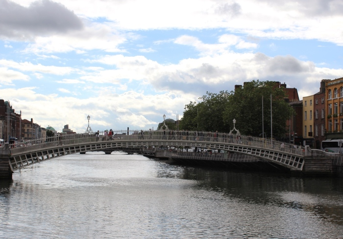 Dublin-day-trip-hapenny-bridge