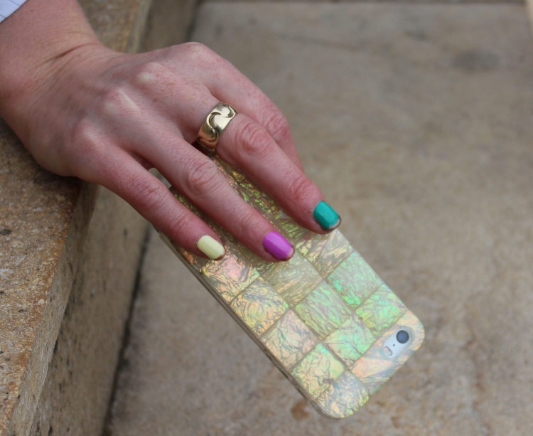 Living-in-a-Boxx-colourful-pastels-gold-French-manicure