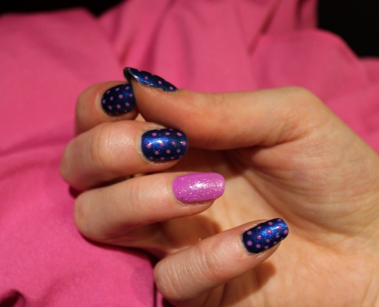 Living-in-a-Boxx-blue-pink-polka-Dots-nail-art