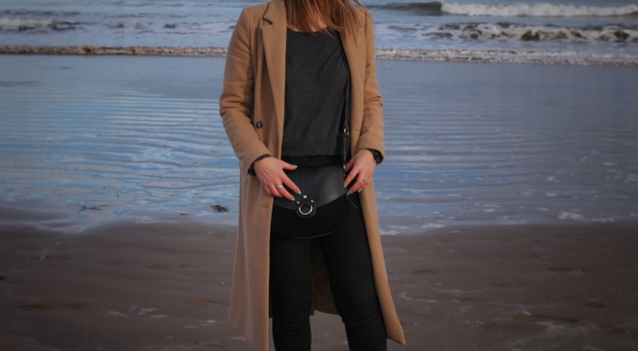 Living-in-a-Boxx-simple-winter-street-style-camel-coat-skinny-jeans-st-Andrews-beach