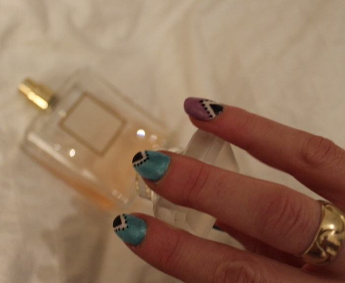 Living-a-Boxx-green-purple-triangle-nail-art-tutorial
